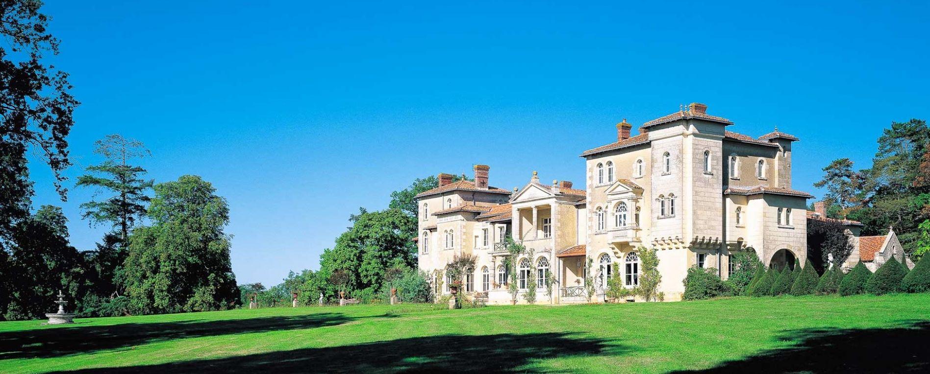 Chateau Maison D Hote Le Domaine De La Corbe Hotel